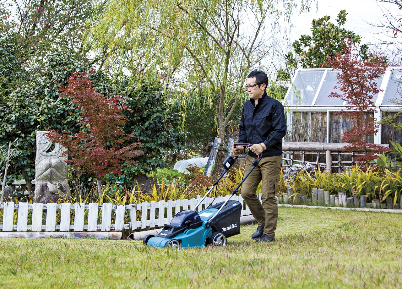 garden and lawn care services northampton